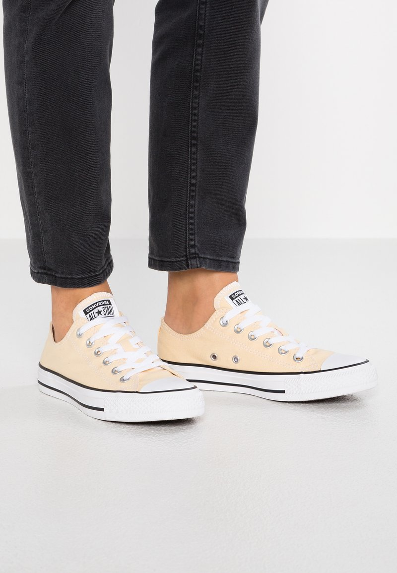 Converse - CHUCK TAYLOR  - Sneaker low - pale vanilla