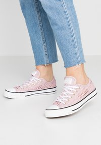 Converse - CHUCK TAYLOR  - Zapatillas - plum chalk/white/black - 0