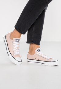 Converse - CHUCK TAYLOR - Sneaker low - particle beige - 0