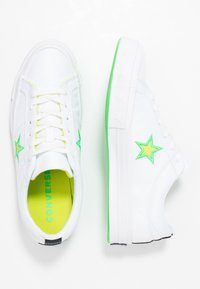 Converse - ONE STAR - Sneakers basse - white/black/acid green - 3