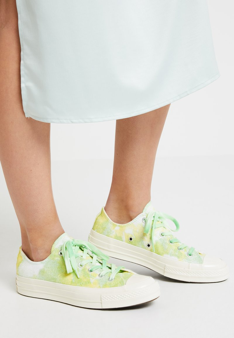 Converse - CHUCK 70 - Sneakers laag - light aphid green/fresh yellow/egret