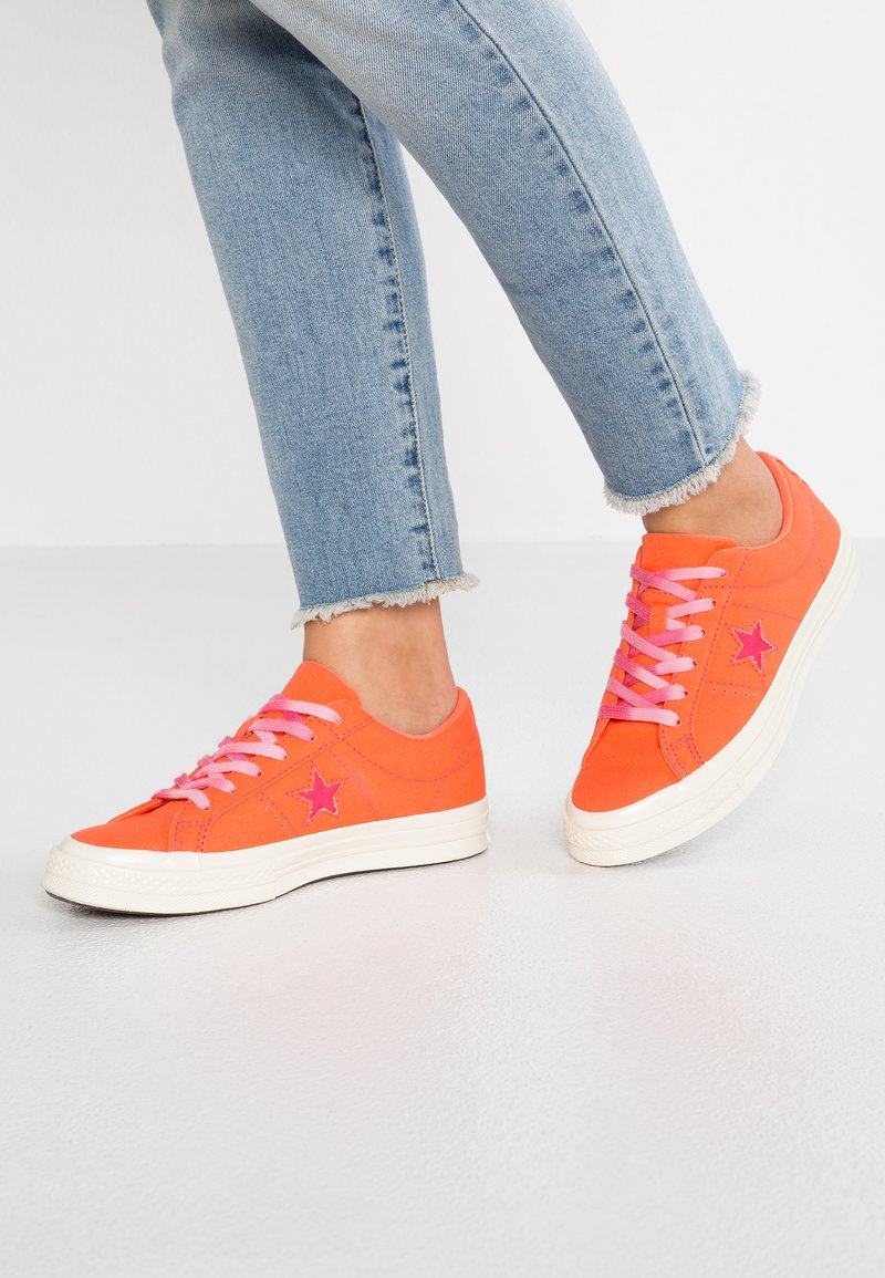 Converse - ONE STAR - Sneaker low - turf orange/strawberry jam/egret