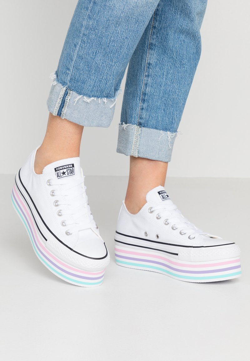Converse - CHUCK TAYLOR ALL STAR PLATFORM LAYER - Sneakers laag - white/black