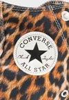 Converse - CHUCK TAYLOR ALL STAR - Zapatillas altas - brown