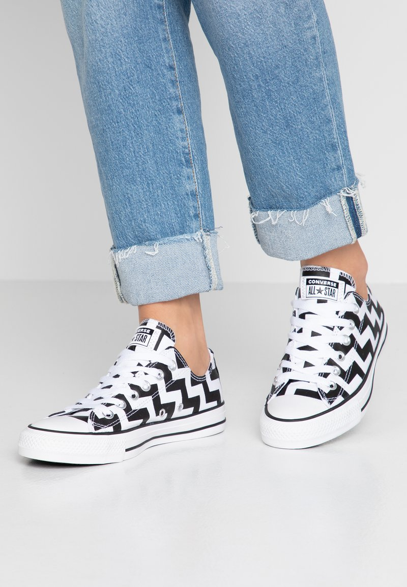 Converse - CHUCK TAYLOR ALL STAR GLAM DUNK - Sneakers - white/black