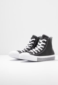 Converse - CHUCK TAYLOR ALL STAR MISSION - Baskets montantes - black/white - 4