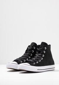Converse - CHUCK TAYLOR ALL STAR RETROGRADE - Baskets montantes - black/habanero red/white - 4