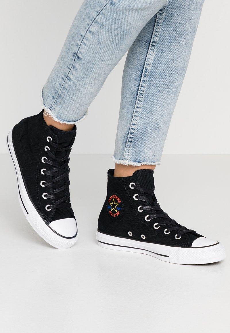 Converse - CHUCK TAYLOR ALL STAR RETROGRADE - Sneaker high - black/habanero red/white