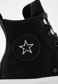 Converse - CHUCK TAYLOR ALL STAR HIKER FINAL FRONTIER - Høye joggesko - black/white - 2