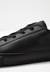 Converse - CHUCK TAYLOR ALL STAR DAINTY - Sneakersy niskie - black - 2