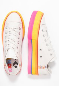 Converse - CHUCK TAYLOR ALL STAR LIFT RAINBOW - Joggesko - vintage white/pale putty - 3