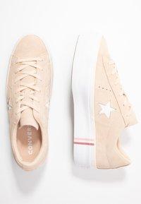 Converse - ONE STAR PLATFORM SEASONAL - Joggesko - light bisque/white - 3