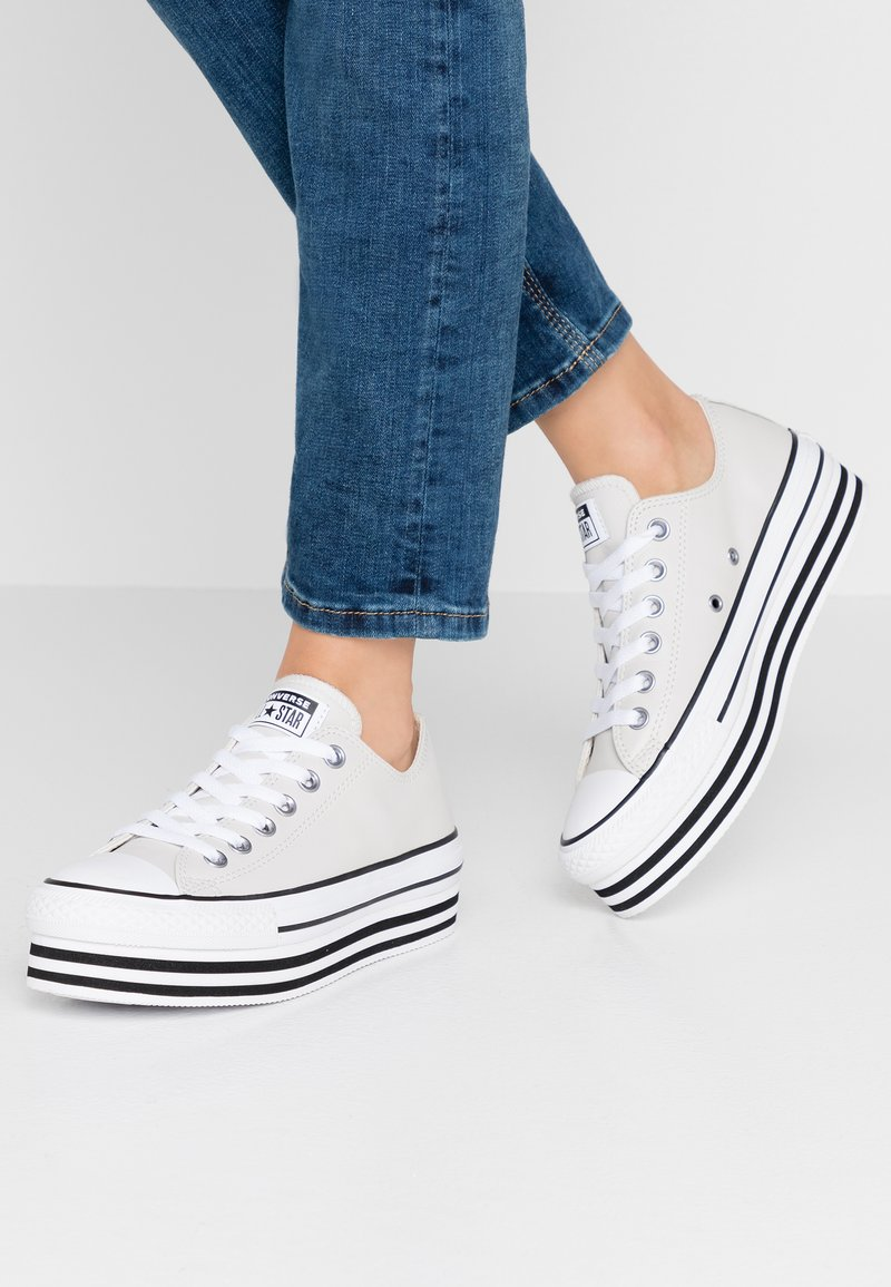 Converse - CHUCK TAYLOR ALL STAR LAYER BOTTOM - Sneakers laag - pale putty/white/black