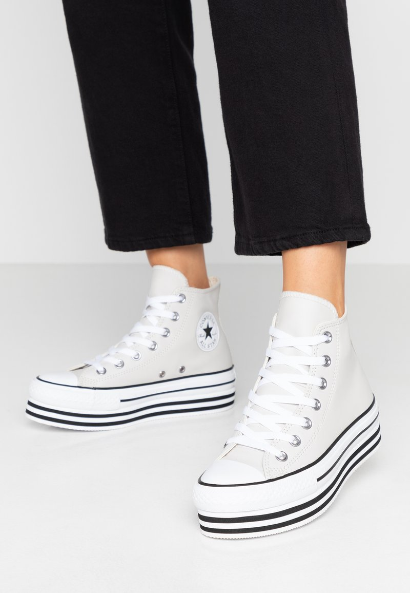 Converse - CHUCK TAYLOR ALL STAR LAYER BOTTOM - High-top trainers - pale putty/white/black
