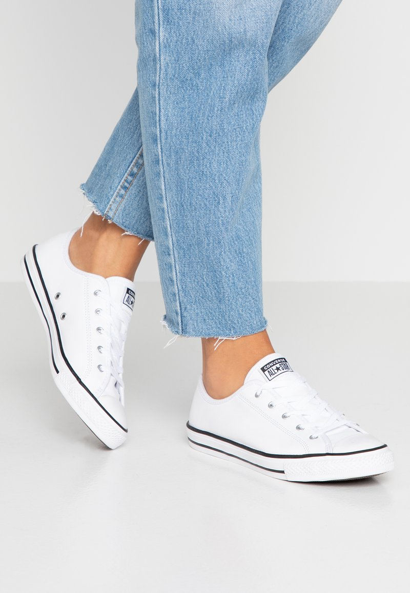 Converse - CHUCK TAYLOR ALL STAR DAINTY BASIC  - Sneakers laag - white/black/white
