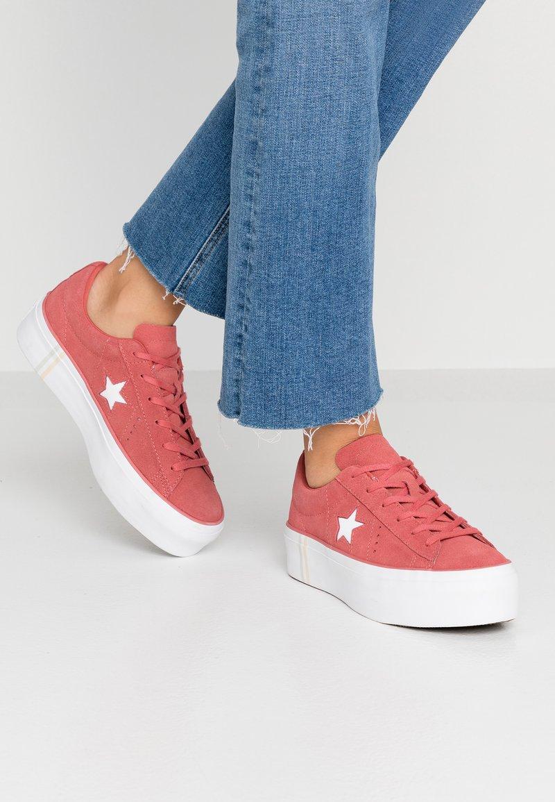 Converse - ONE STAR PLATFORM SEASONAL - Joggesko - light redwood/white