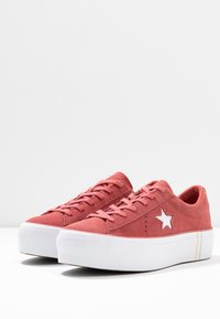 Converse - ONE STAR PLATFORM SEASONAL - Joggesko - light redwood/white - 4