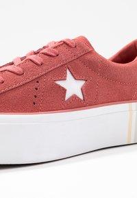 Converse - ONE STAR PLATFORM SEASONAL - Joggesko - light redwood/white - 2