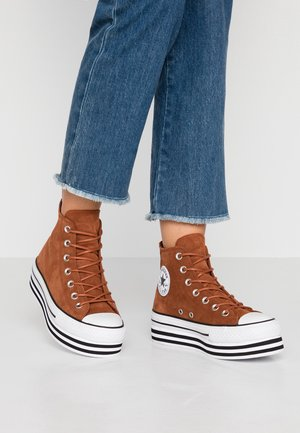CHUCK TAYLOR ALL STAR LAYER BOTTOM - Höga sneakers - cinnamon/white/black