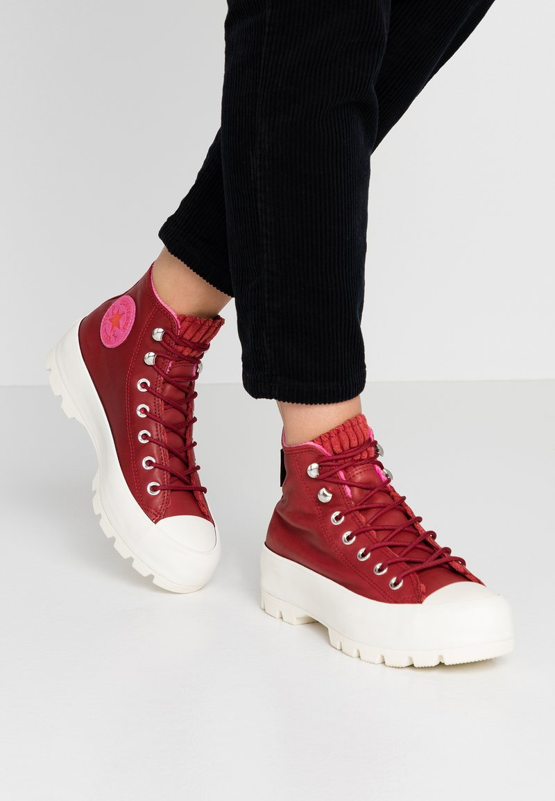 Converse - CHUCK TAYLOR ALL STAR LUGGED WINTER RETROGRADE - Sneakers alte - back alley brick/habanero red