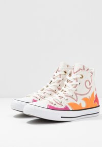 Converse - CHUCK TAYLOR ALL STAR FASHION WEEK CAPSULE - High-top trainers - egret/habanero red/orange rind - 4