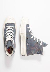 Converse - CHUCK 70 RAINBOW - Sneakers hoog - black/cool grey/egret - 3