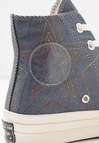 Converse - CHUCK 70 RAINBOW - Sneakers hoog - black/cool grey/egret - 2