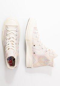 Converse - CHUCK 70 RAINBOW - Baskets montantes - white/pale putty/egret - 3