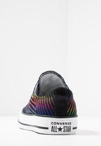 Converse - CHUCK TAYLOR ALL STAR ALL OF THE STARS - Tenisky - black/white - 5