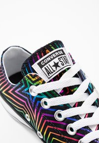 Converse - CHUCK TAYLOR ALL STAR ALL OF THE STARS - Tenisky - black/white - 2