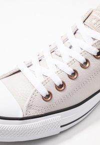 Converse - CHUCK TAYLOR ALL STAR  - Zapatillas - pale putty/white/black - 2