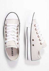 Converse - CHUCK TAYLOR ALL STAR  - Zapatillas - pale putty/white/black - 3