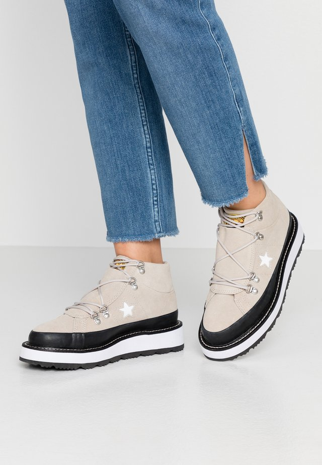 ONE STAR  - High-top trainers - papyrus/black/white