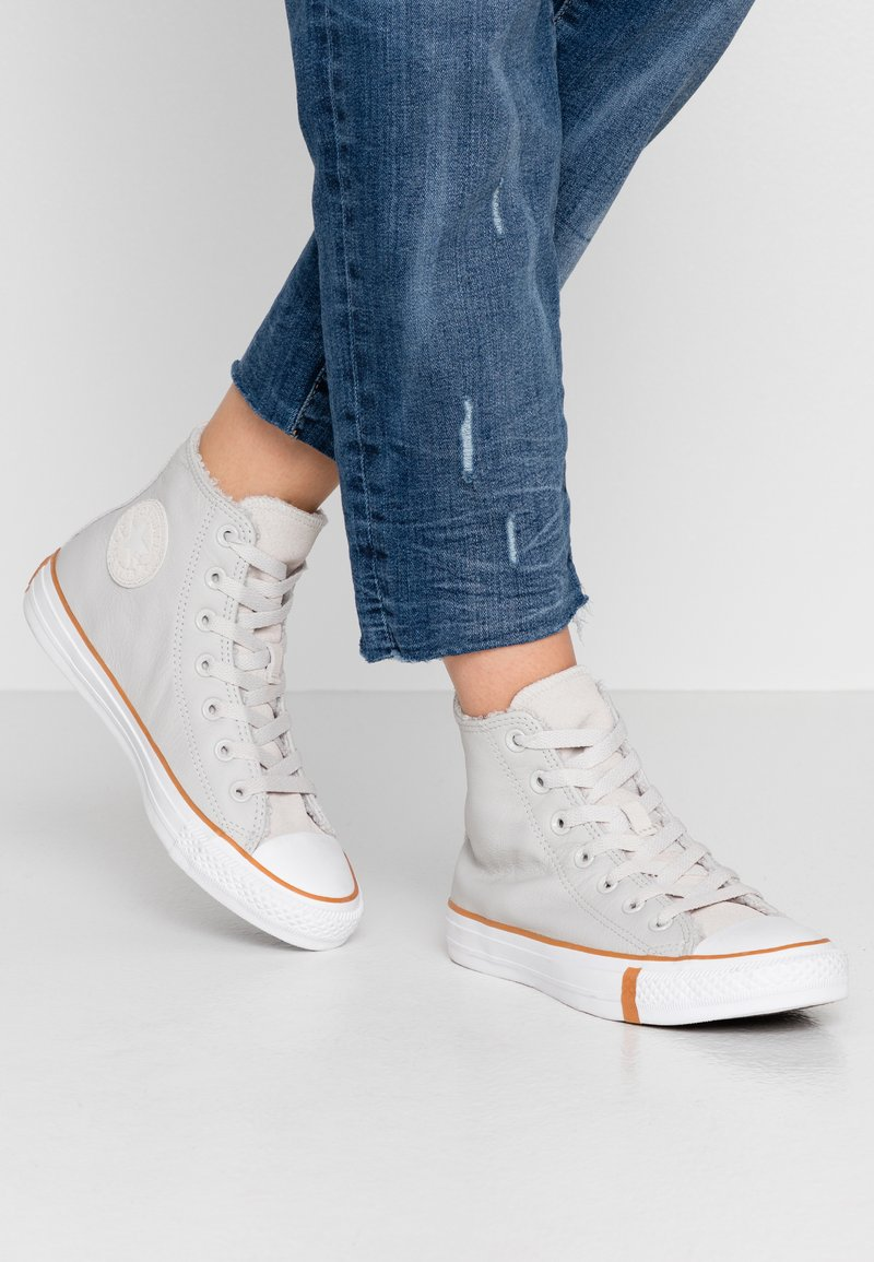 Converse - CHUCK TAYLOR ALL STAR - Høye joggesko - pale putty/white/honey