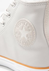 Converse - CHUCK TAYLOR ALL STAR - Høye joggesko - pale putty/white/honey - 2