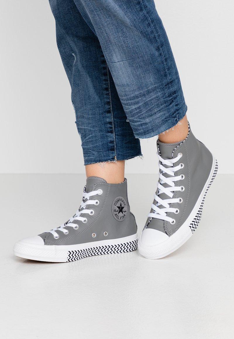 Converse - CHUCK TAYLOR ALL STAR - High-top trainers - mason/black/white
