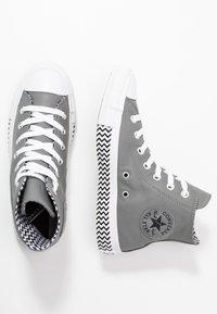 Converse - CHUCK TAYLOR ALL STAR - Høye joggesko - mason/black/white - 3