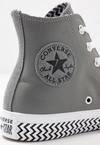 Converse - CHUCK TAYLOR ALL STAR - Høye joggesko - mason/black/white - 2