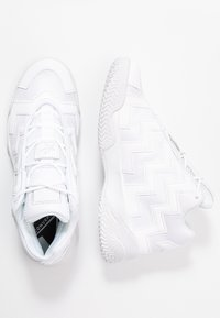 Converse - VOLTAGE - Sneakersy wysokie - white - 5