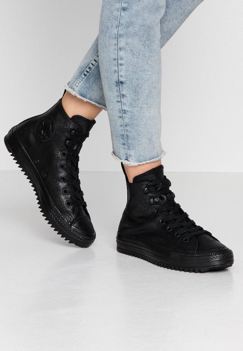 Converse - CHUCK TAYLOR ALL STAR HIKER  - Höga sneakers - black
