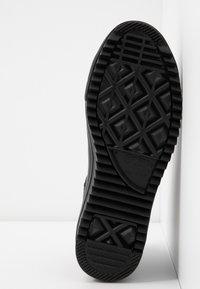 Converse - CHUCK TAYLOR ALL STAR HIKER  - Sneakers high - black - 6