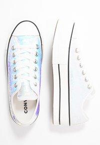 Converse - CHUCK TAYLOR ALL STAR LIFT - Joggesko - silver/vintage white/black - 3