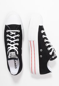 Converse - CHUCK TAYLOR ALL STAR LIFT LOVE  - Sneakers laag - black/university red/white - 3