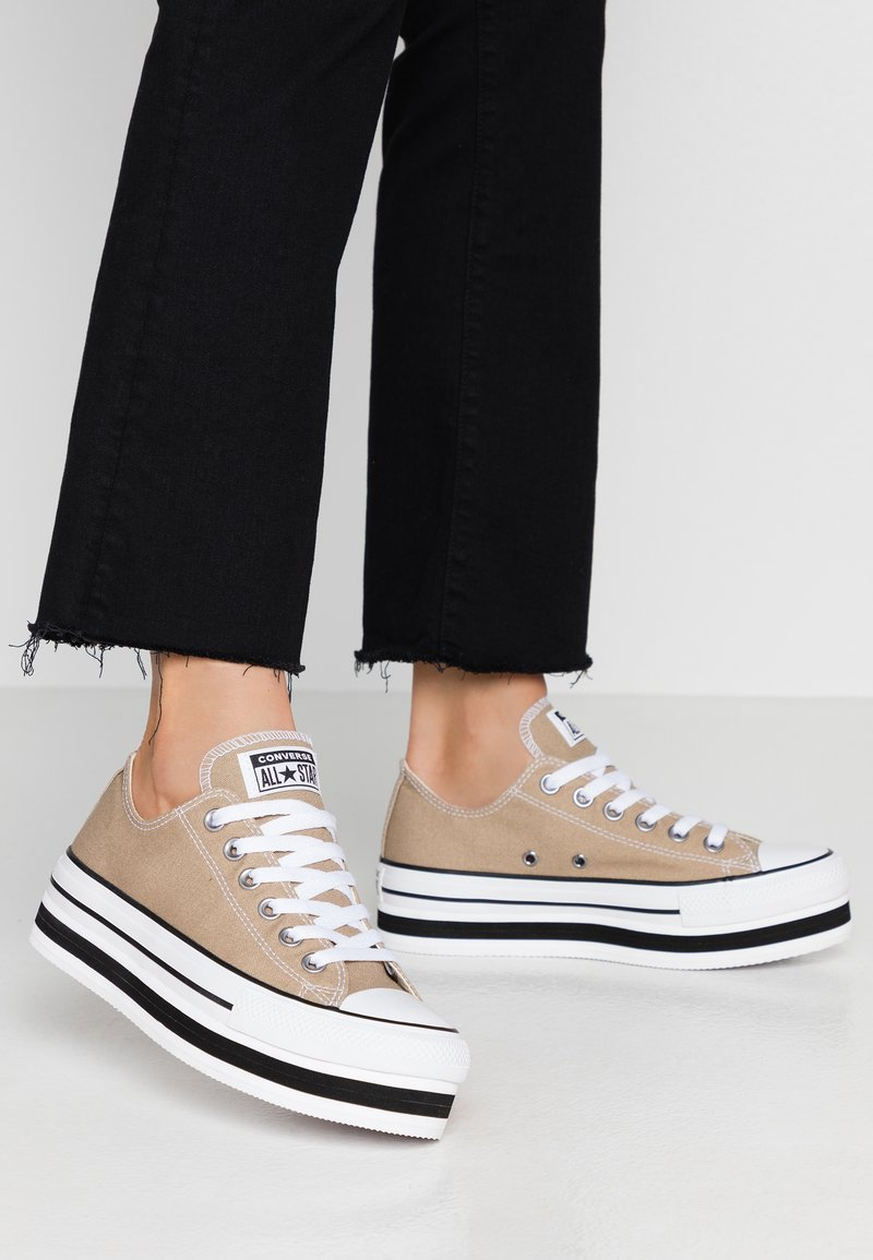 Converse - CHUCK TAYLOR ALL STAR LAYER BOTTOM - Sneakers laag - khaki/white/black