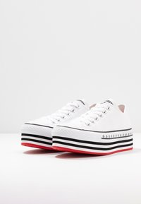 Converse - CHUCK TAYLOR ALL STAR LIFT ARCHIVAL - Sneakers basse - white/black - 4