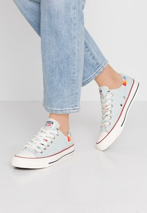 CHUCK TAYLOR ALL STAR - Baskets basses - blue/multicolor/egret