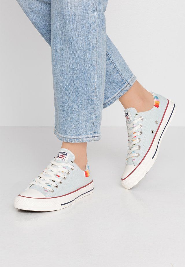 CHUCK TAYLOR ALL STAR - Sneakers laag - blue/multicolor/egret
