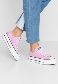 Converse - CHUCK TAYLOR ALL STAR LIFT SEASONAL - Sneakers basse - peony pink/white/black - 0