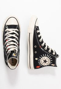 Converse - CHUCK TAYLOR ALL STAR - High-top trainers - black/natural ivory - 3