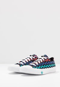 Converse - CHUCK TAYLOR ALL STAR - Trainers - black/peony pink/rapid teal - 4